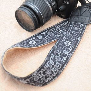 Floral Camera Strap Black Grey, 32€, now featured on Fab.