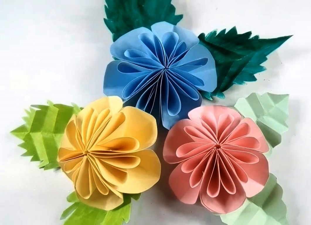 Diy easy big paper flowers making wall decor craft how to make diy easy big paper flowers making wall decor craft how to make paper flower mightylinksfo