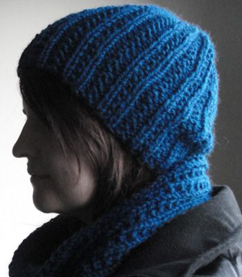 e4c4c02deb Free Pattern for a 12ply/6.5mm knit infinity cowl & hat - great for ...