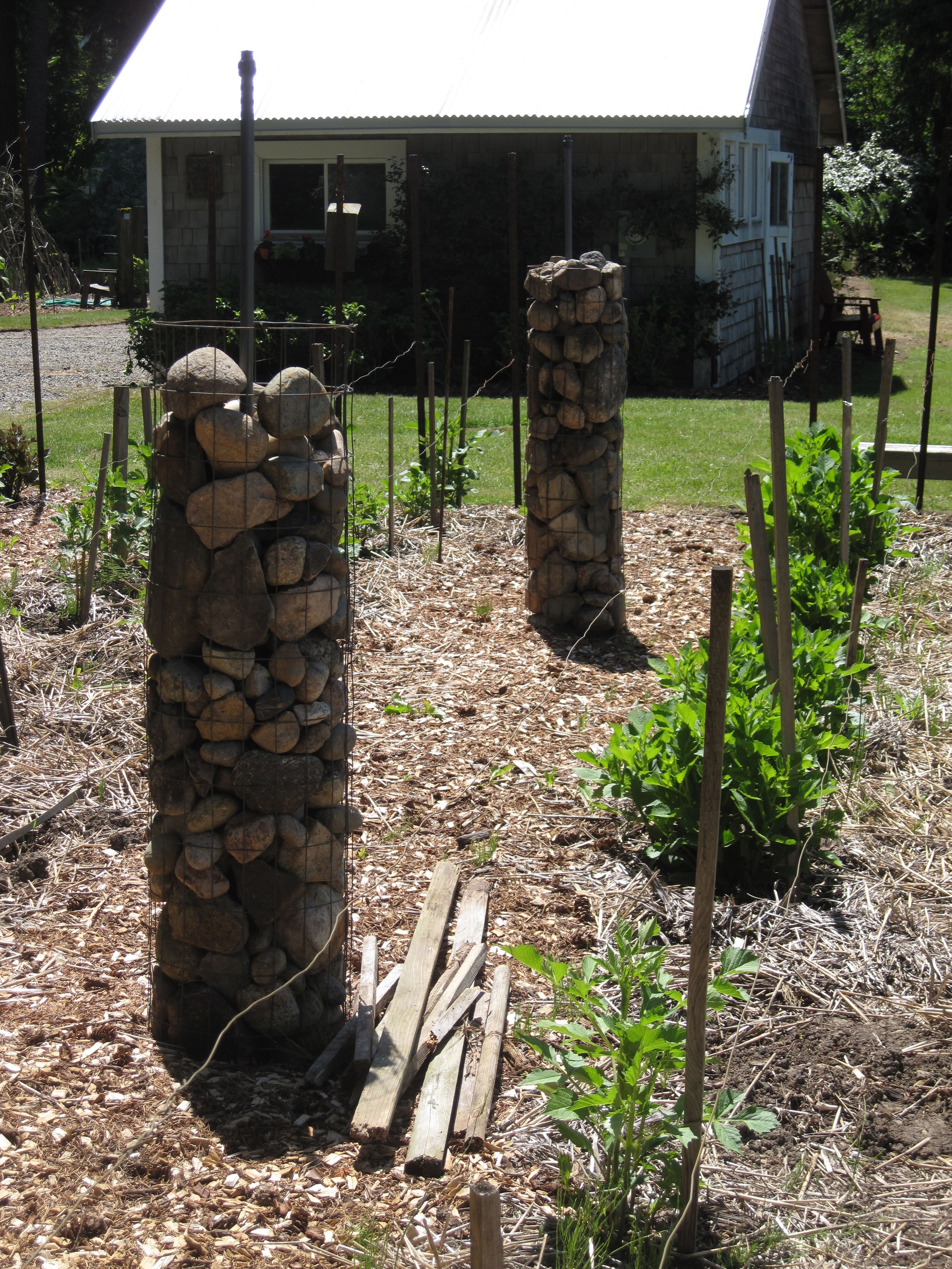 Rock wall drawing rock pillars the wall - Landscaping Ideas With Rocks Corner Fence Fence Pictures Split Rail Fences With Stone Posts For The Home Pinterest Split Rail Fence Rail Fence And