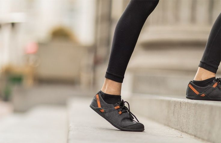 Lightweight casual comfort that's ready for your next adventure. Get the comfort of a barefoot inspi...
