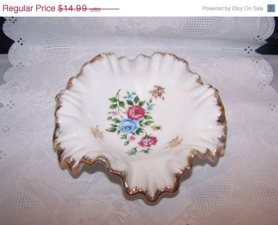 January Sale Beautiful Royal Crown fluted candy by vintagebyrudi
