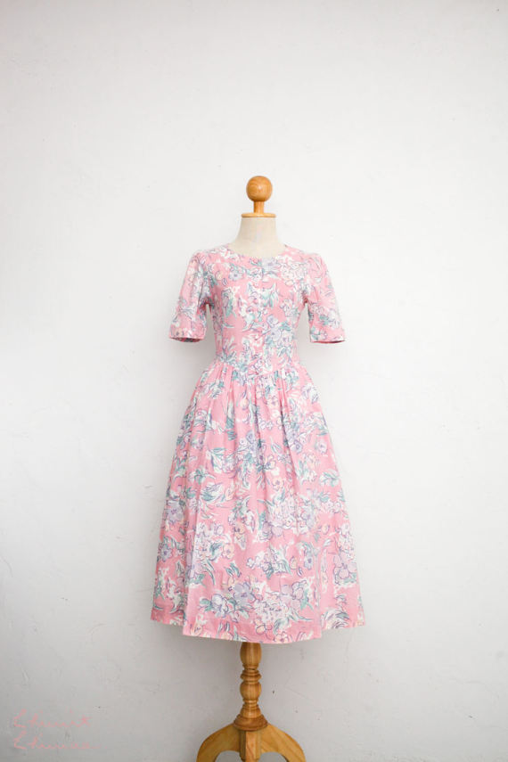 d3d10f50cd32 Laura Ashley 80s Baby Pink Floral Summer Dress  Cotton Button Up Shirt  Waist Midi Full Skirt  Puff Short Sleeve Day Country Western Dress S