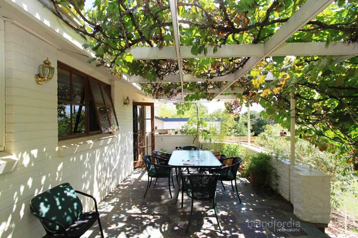 grape vine pergola - Google Search - Grape Vine Pergola - Google Search Relaxing Garden Rooms