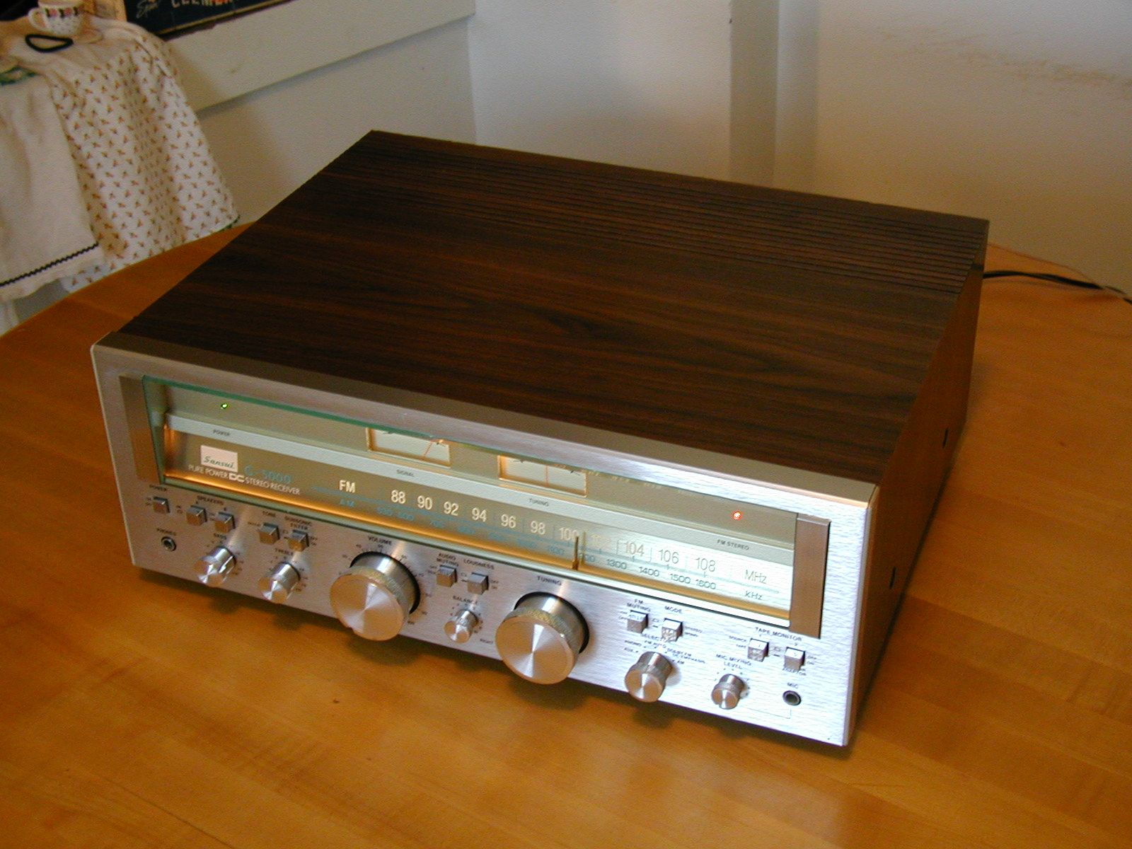 where to buy vintage audio equipment