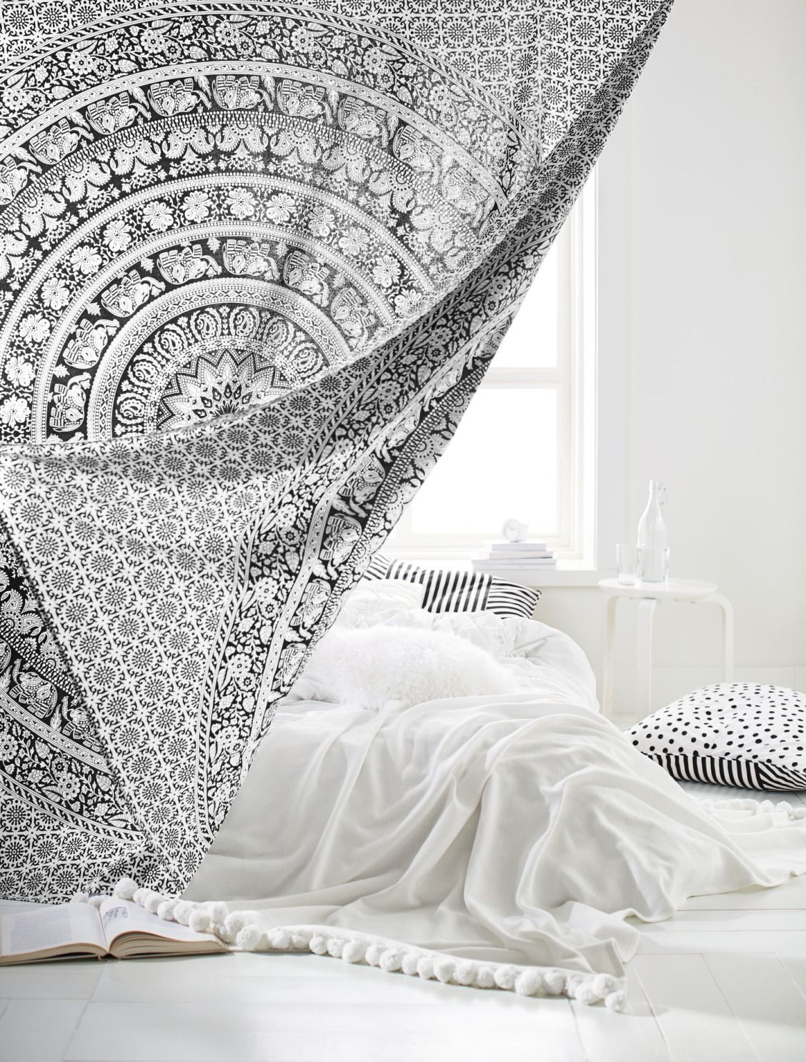 Printed Tapestry Black White With Images Tapestry Bedroom