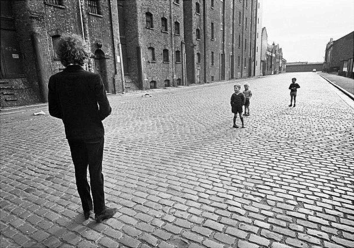 Bob Dylan down the Albert Dock!