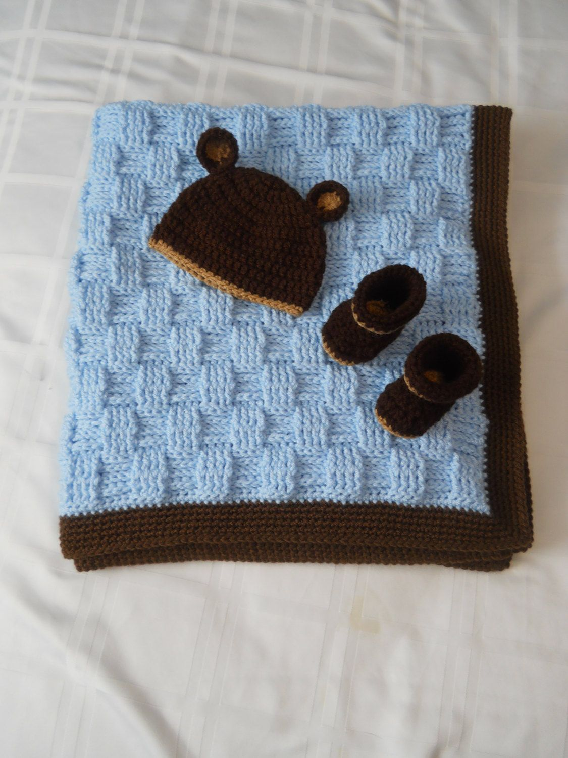 f5259ecc457 Baby Teddy Bear Blue Blanket Hat and Bootie set