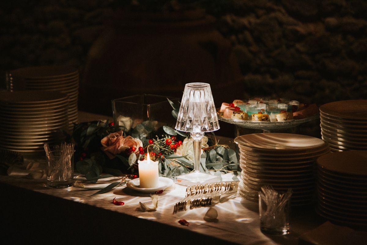 Blossomy wedding planning in tuscany blossomy light