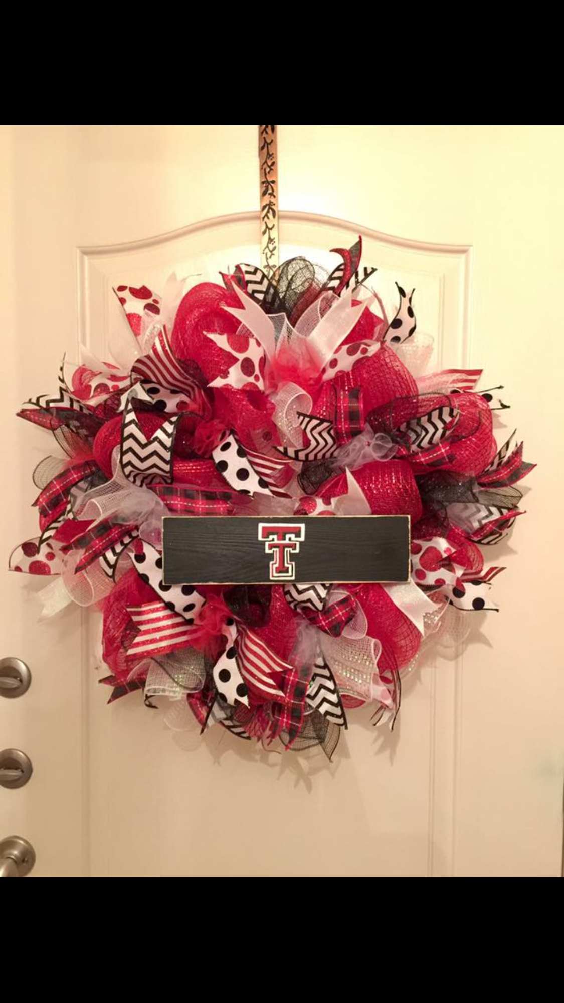 texas tech deco mesh wreath with hand painted sign join my facebook