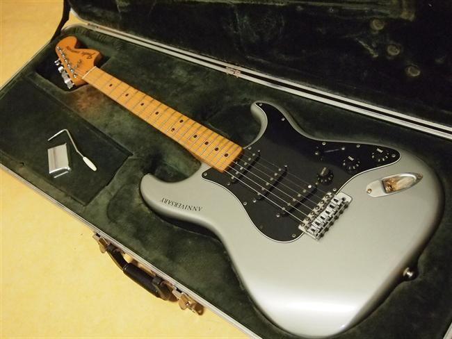 Fender Stratocaster 25th Anniversary   17jt