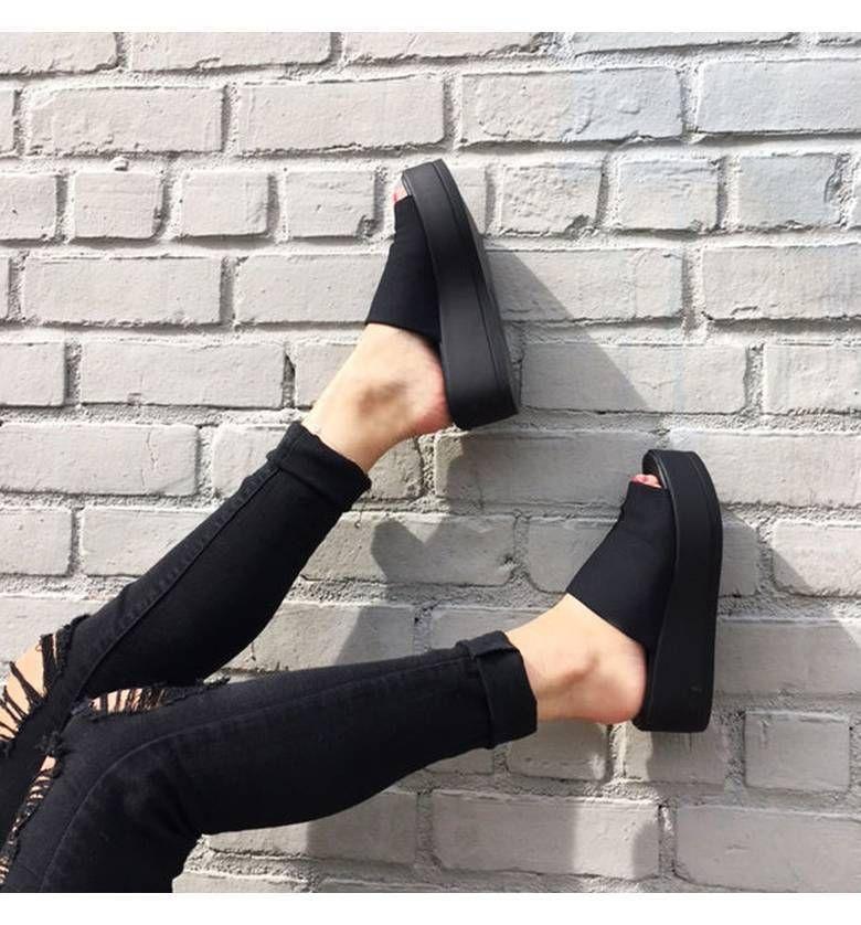 319054b23 STEVE MADDEN  Slinky  Platform Sandal