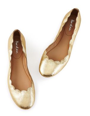 acb3061667a Ballerina Flat. Scallops. I love scallops.  ) on shoes and dresses ...