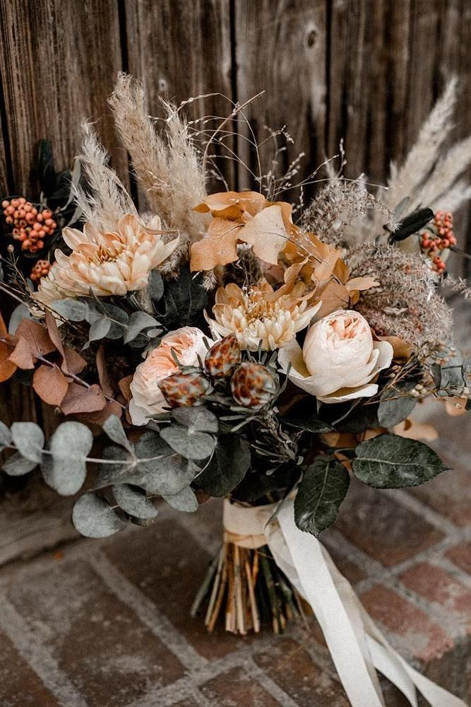 42 Beautiful Wedding Bouquets That Are Unique #flowerbouquetwedding