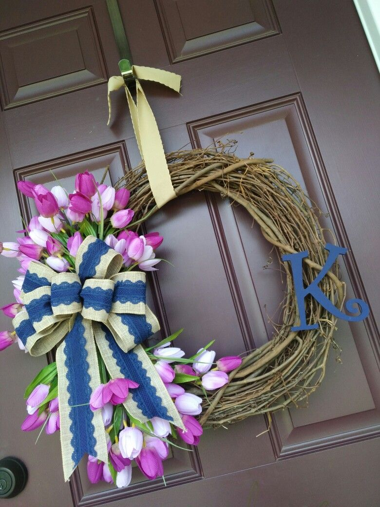 Tulip wreath with navy and burlap bow and letter