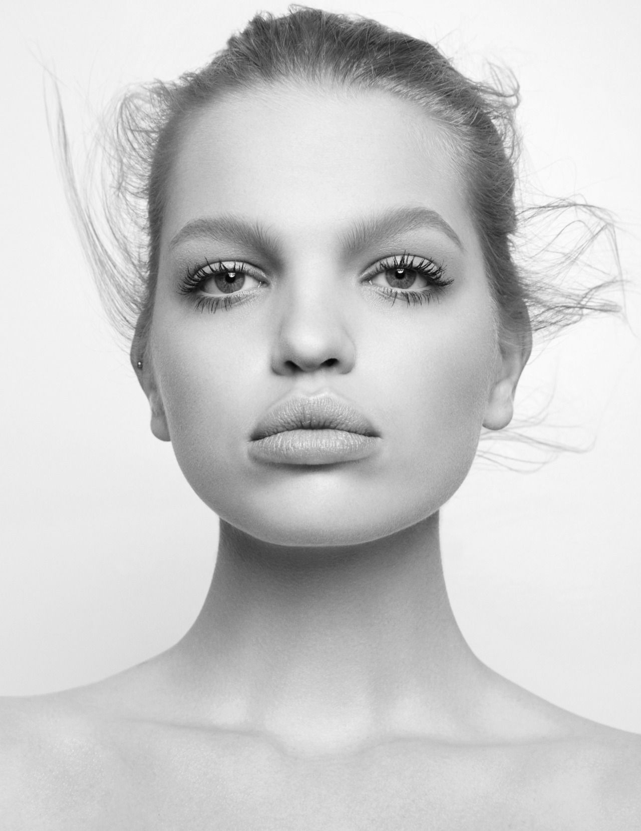"""Daphne Groeneveld in """"Independence Day"""" for Vogue Thailand, March 2016      Photographed by Natth Jaturapahu"""