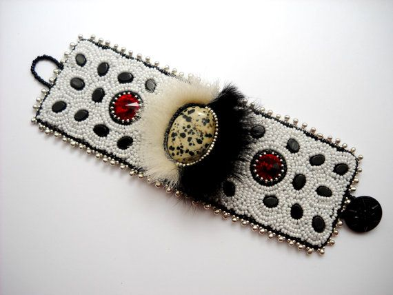 Cuella de Vil  Bead Embroidery Bracelet Cuff by PreciousHeartBeads, $115.00...so cute!
