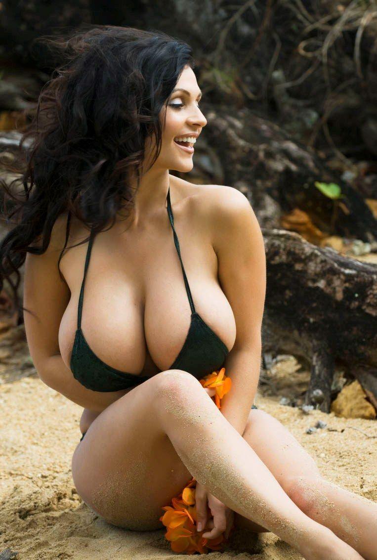 Coed bikini models