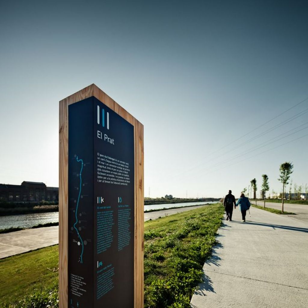 Exterior signage design ideas about outdoor signage on
