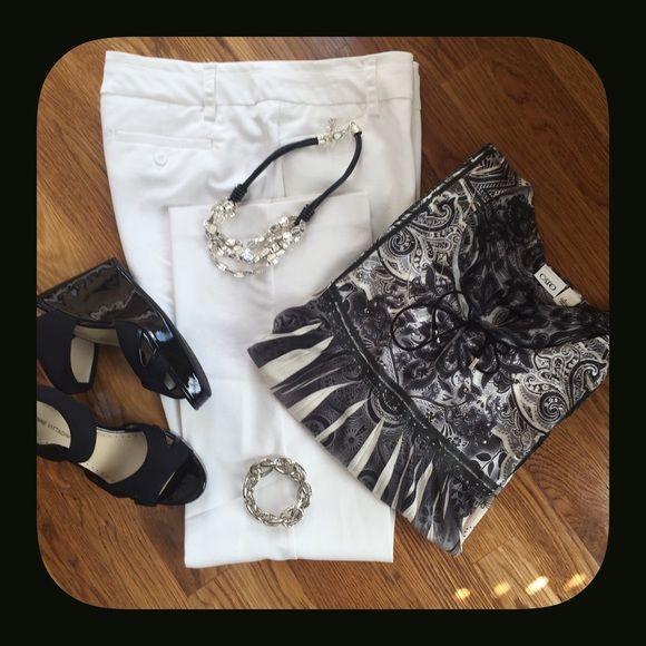 Dress Pant White Dress Pant. Sits Below Waist. Stretch Fabric. New York & Company Pants