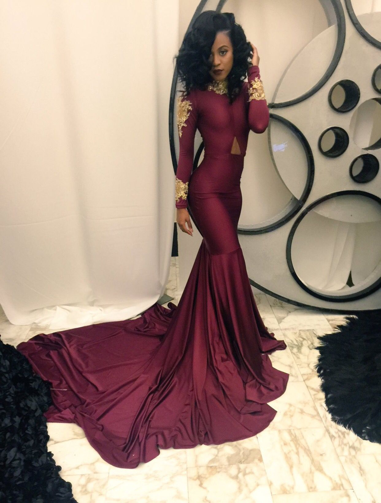 High collar mermaid prom dress with gold appliques vestidos