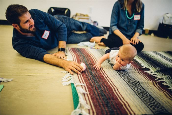 When do Babies Roll Over? (With images) | Baby rolling ...