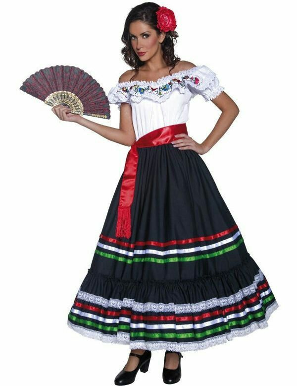 Dress and fan   Women\'s Fiesta Outfits   Pinterest   Fiestas