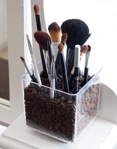 auch im bad l sst es sich mit kaffee einrichten die. Black Bedroom Furniture Sets. Home Design Ideas