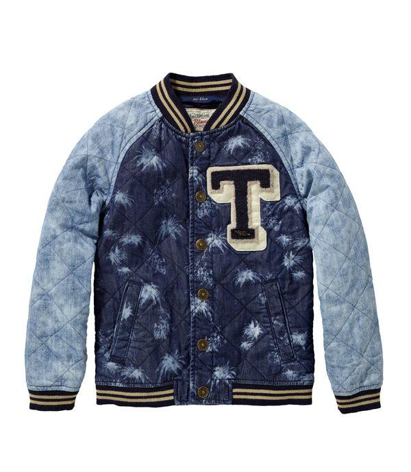 Too cool for school baseball jack met tie-dye accenten, geknipt voor de dagen dat je nog net niet zonder jas naar buiten kan. Jas SCOTCH SHRUNK € 99,95