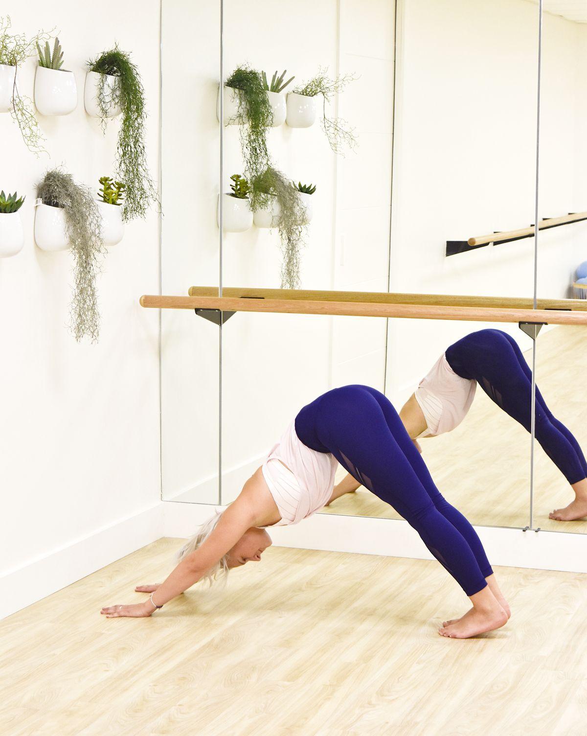 6 Amazing Benefits from Practicing Downward Dog. Yoga vs