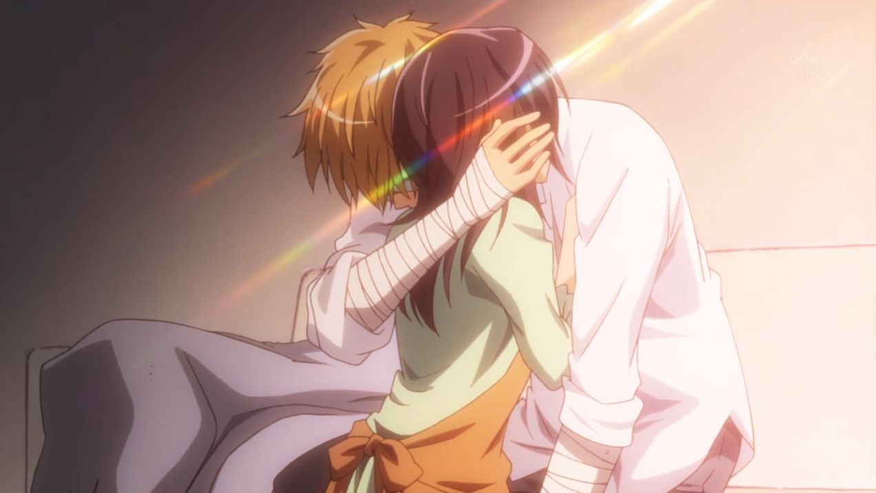 Usui and Misa-chan! I'm amazed he can move those arms at all.