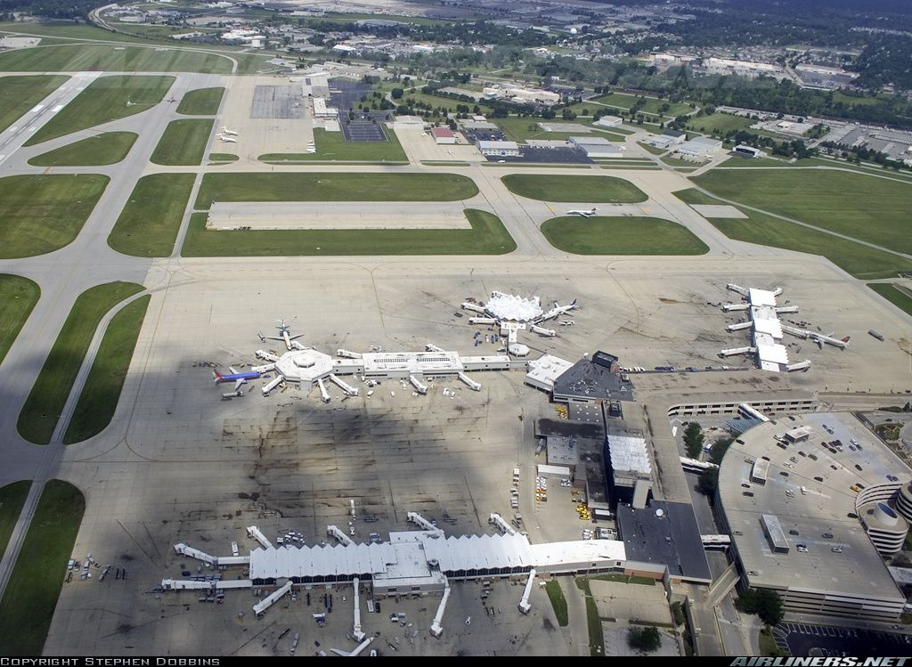 Quick Look at the Abandoned Indianapolis Airport Old ...