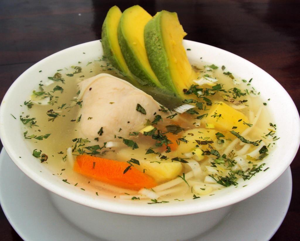 caldo de pollo  plato tipico  Travel Guayaquil