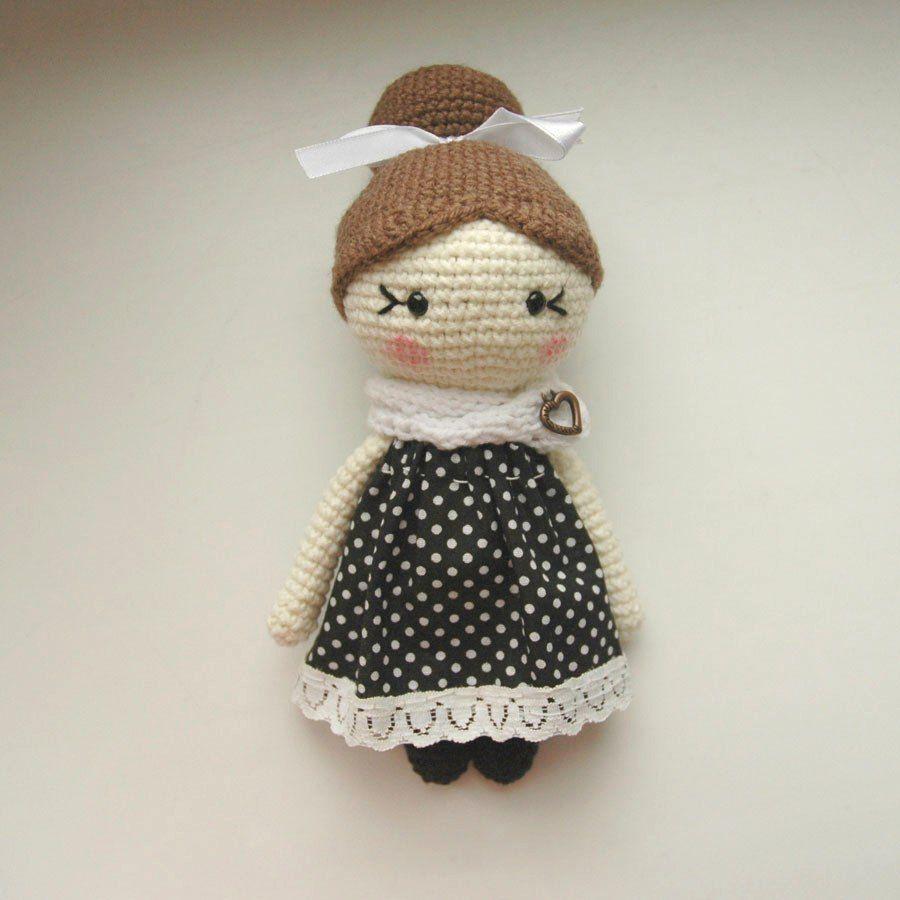 Amigurumi muñeca pequeña muñeca crochet patrón gratis | Amigurumi ...