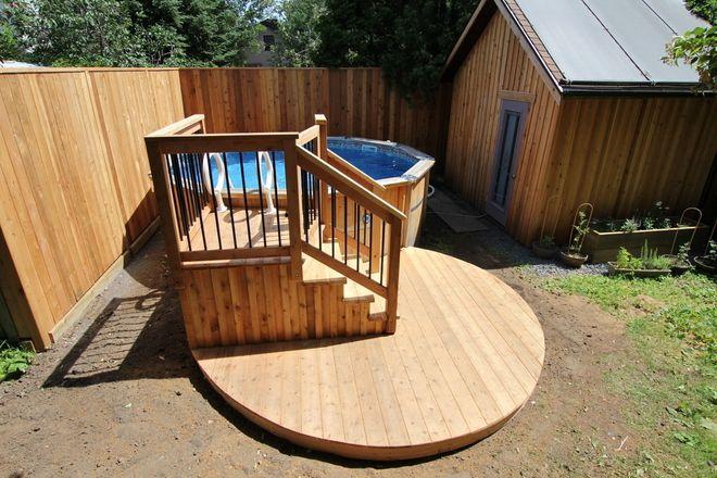 deck de piscine hors terre avec une petite terrasse circulaire in 2019 above ground pool