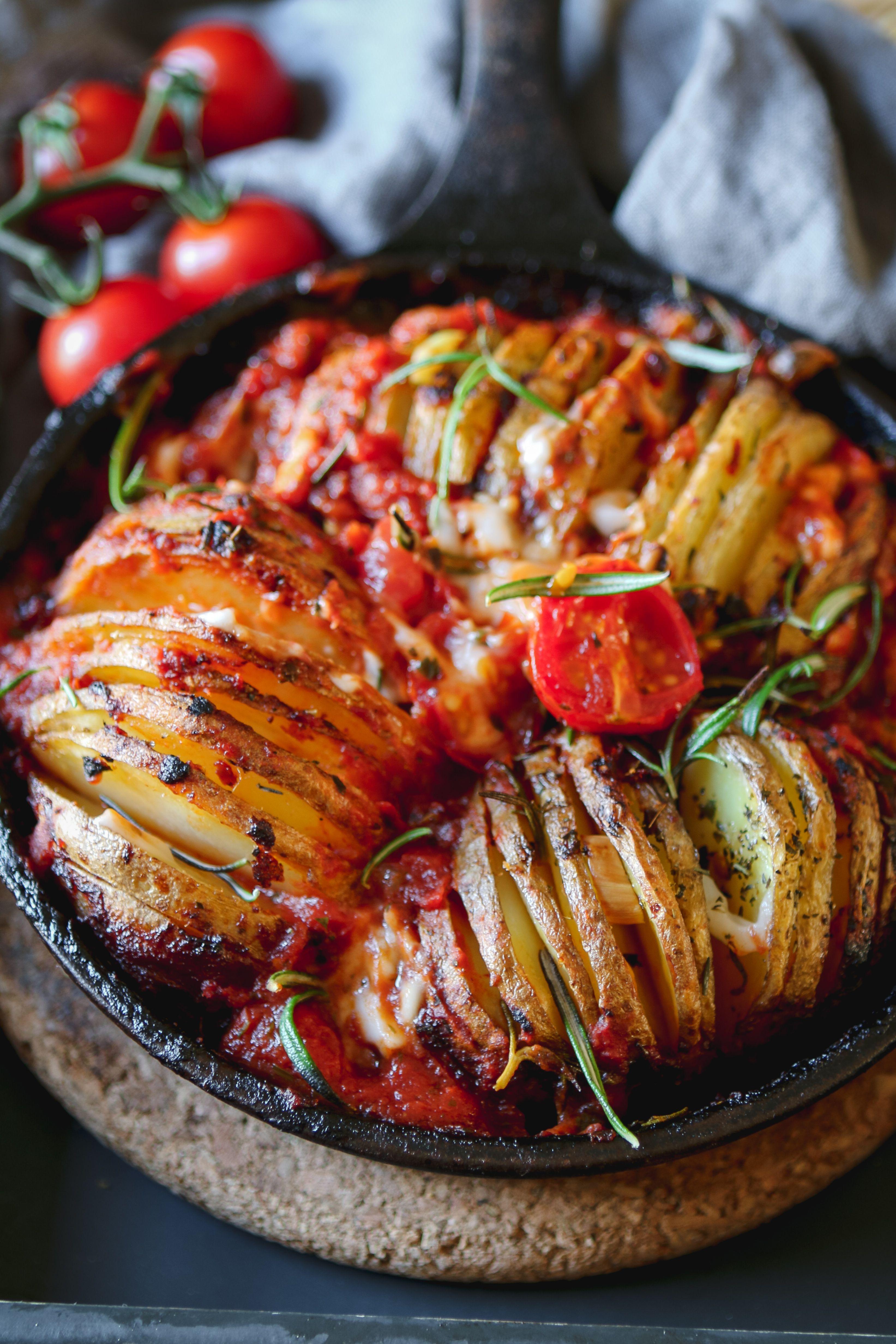 Hasselback Potato Pot Vegan recipes, Food recipes