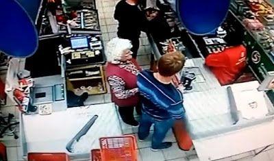 ΣΟΚ!! Σκότωσε ηλικιωμένη με μια... γροθιά σε σούπερ μάρκετ ΔΕΙΤΕ ΤΟ ΒΙΝΤΕΟ!!