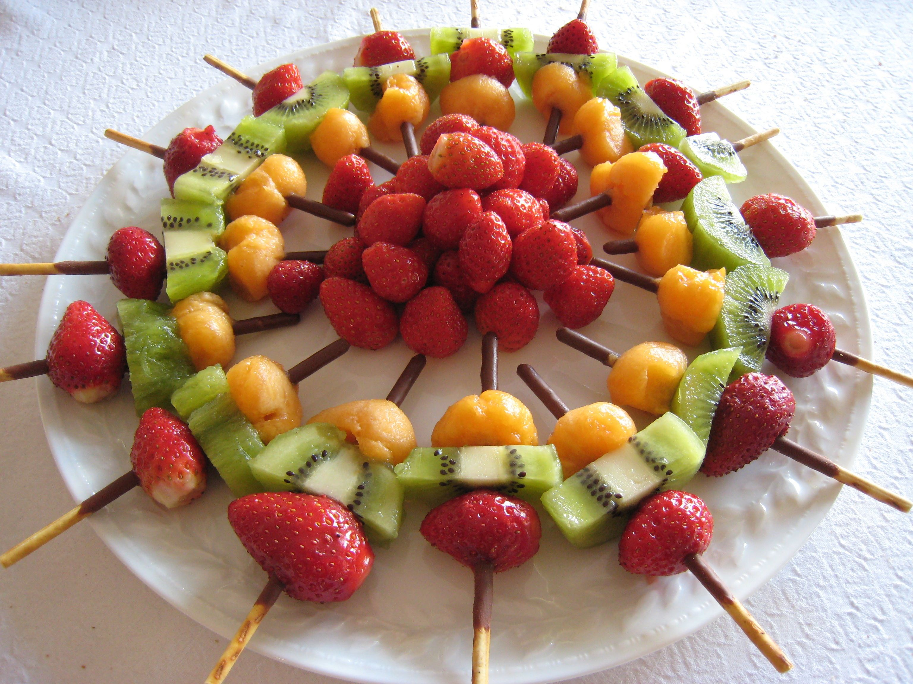 img 2750 recettes pinterest brochette fruits brochettes et anniversaires. Black Bedroom Furniture Sets. Home Design Ideas