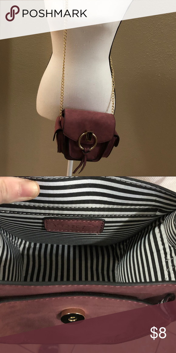 f63501335 Yoki Small Crossbody Purse with Gold Chain Brand New without Tags Small  Maroon Crossbody Purse with Gold Chain and Snap Closure...cute black and  white ...