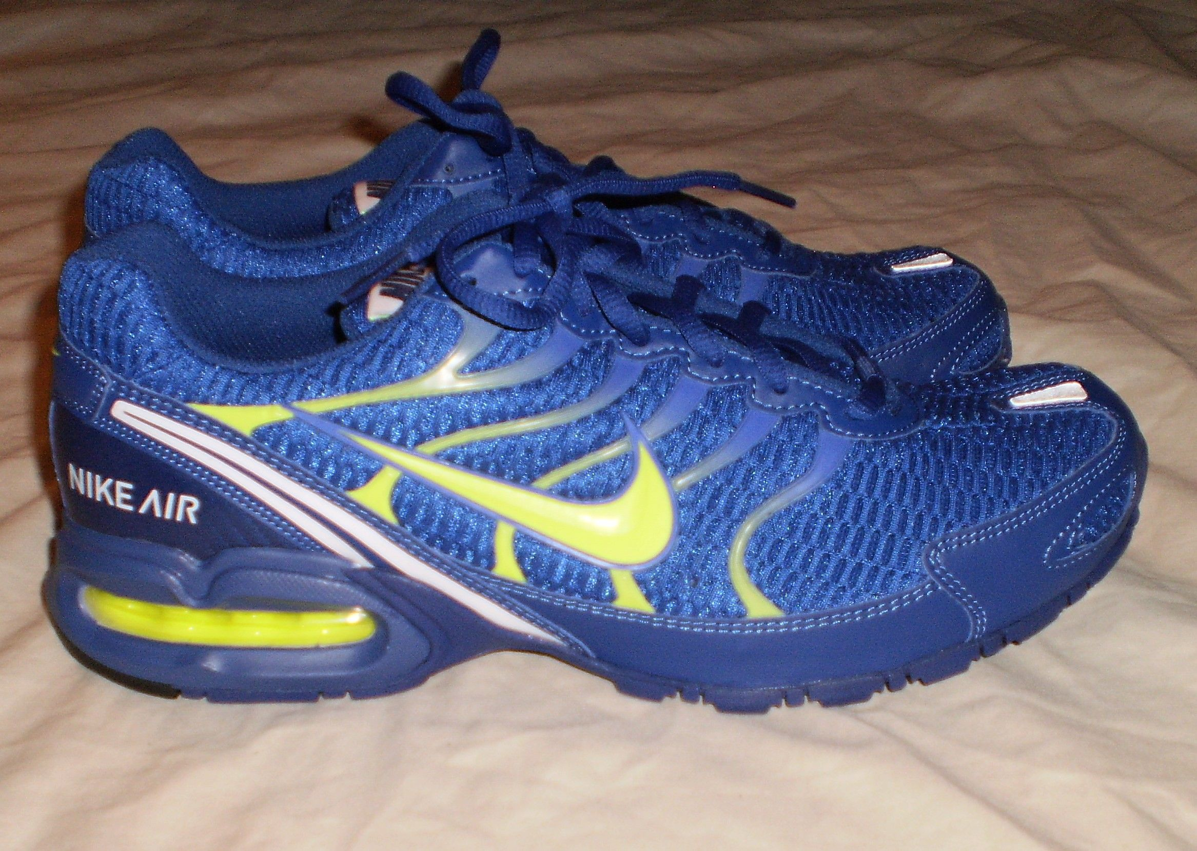 28e444bc0f0 MENS NIKE AIR MAX TORCH 4 RUNNING SHOES ROYAL BLUE VOLT SIZE 10 https