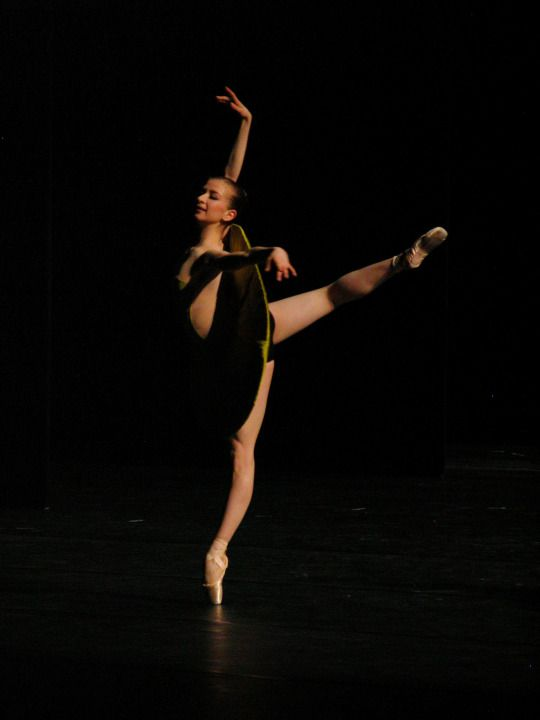 Myriam Ould-Braham in Forsythe's The Vertiginous Thrill of Exactitude  Photo © Haruyo