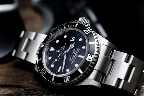 A Decent Man Must Have A Decent Watch Albert Falco Montre Rolex Montre Gentleman