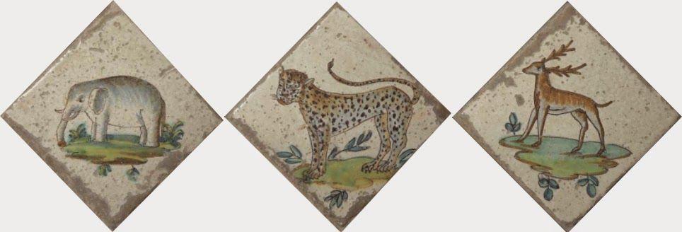 """Estos azulejos fueron fabricados en las """"Reales Fábricas de Valencia"""" en la segunda mitad del s.XVIII. Animales como el elefante , el tigre , y el ciervo. Año 2015 - D.M.G"""