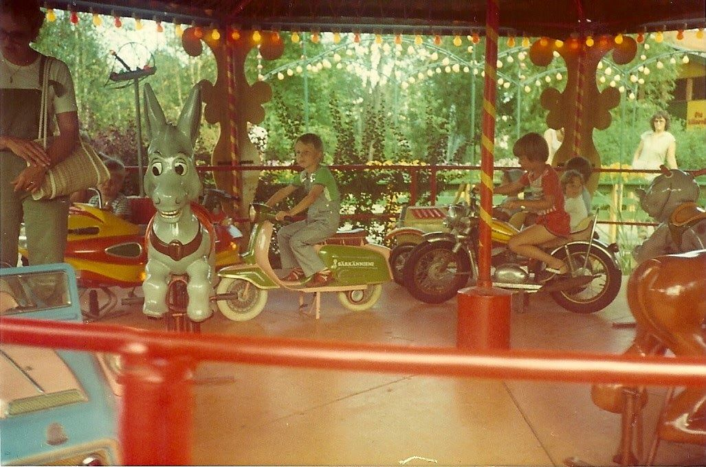 Karusellin kieputusta 1970-1980 luvun vaihteesta. #särkänniemi #sarkanniemi #huvipuisto #tampere