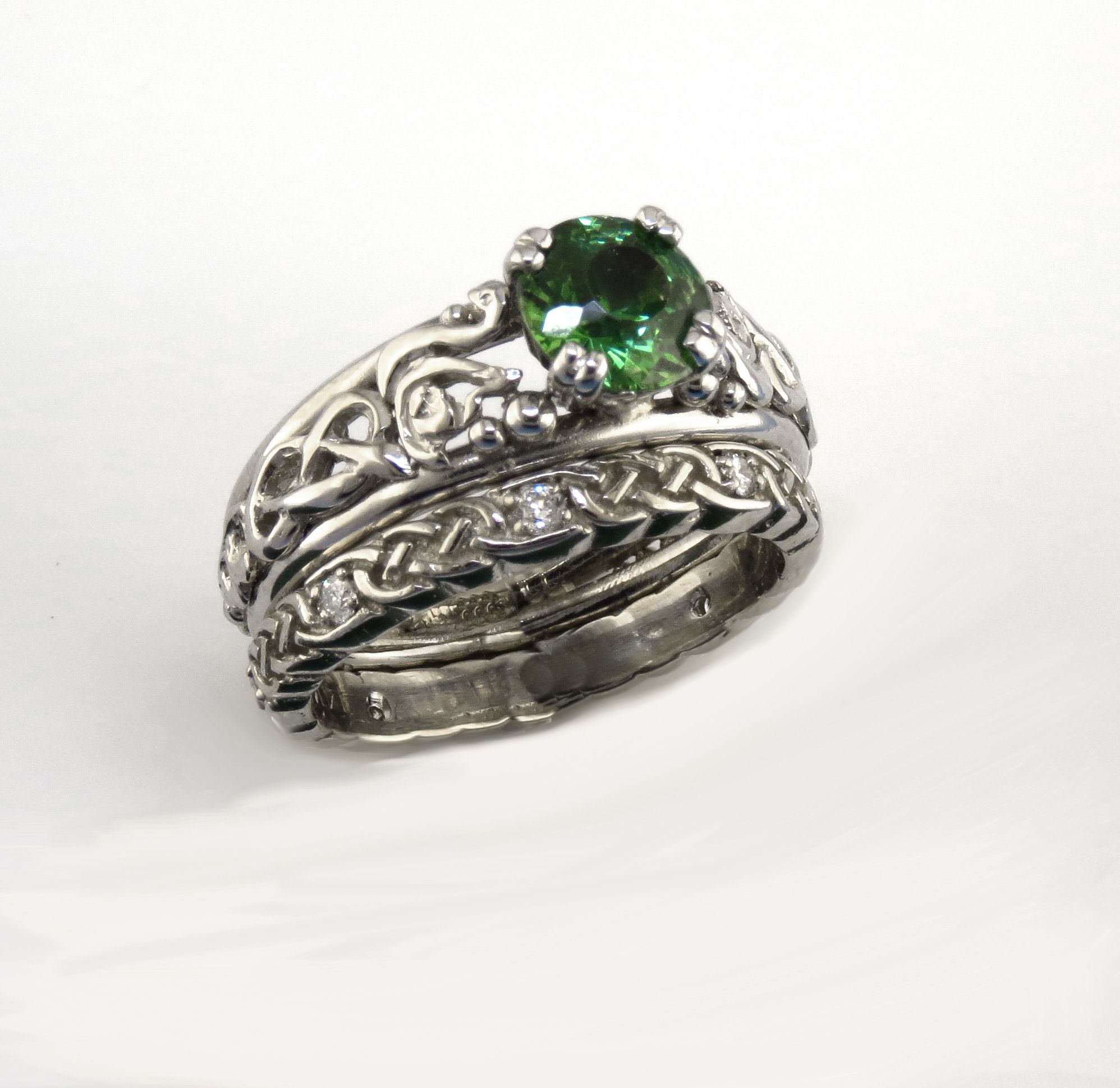 A stunning custom Wedding set in 14K White gold with hand carved