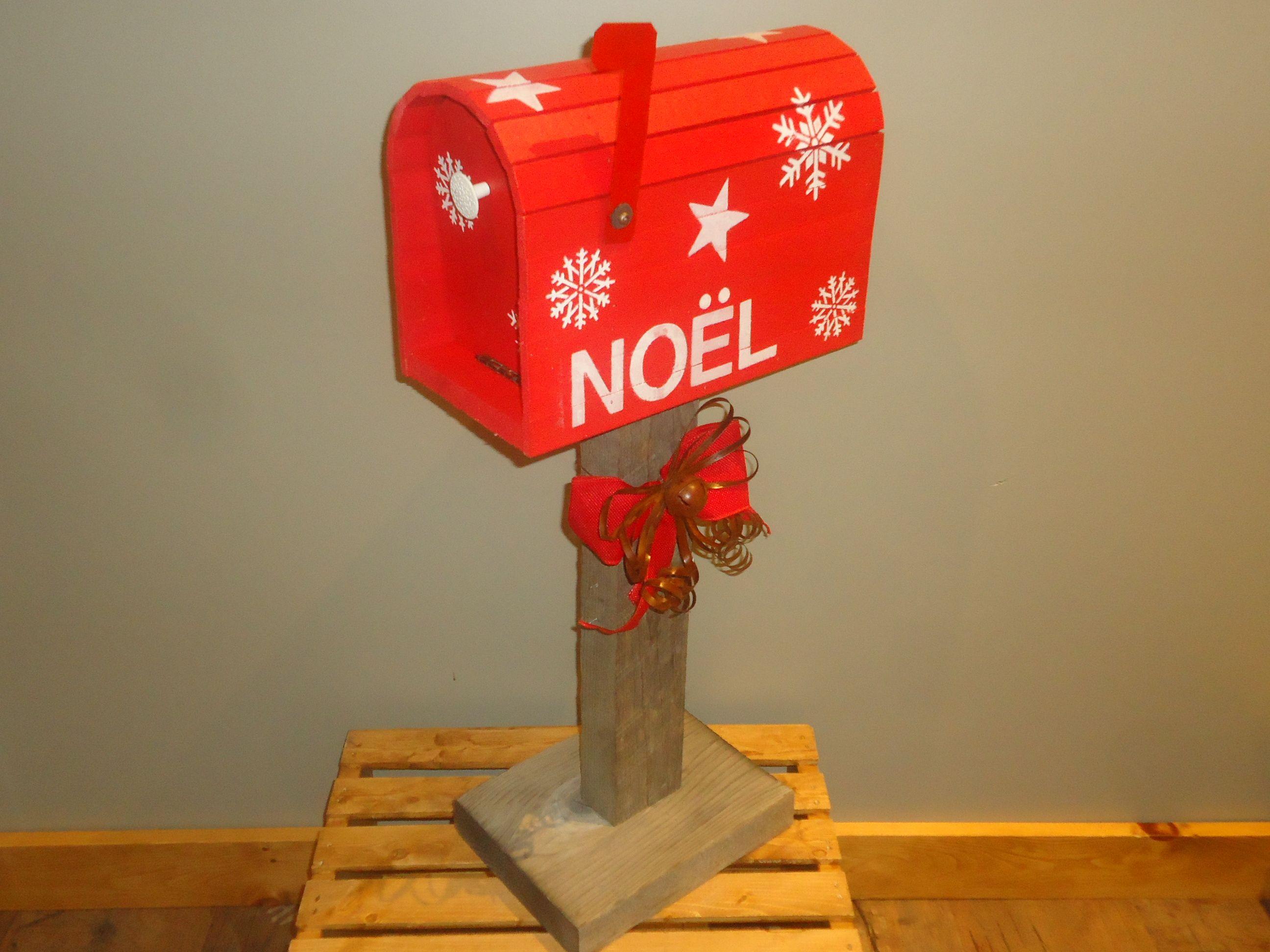 Bo te aux lettres faite en bois de grange la porte l - Noel est a votre porte ...