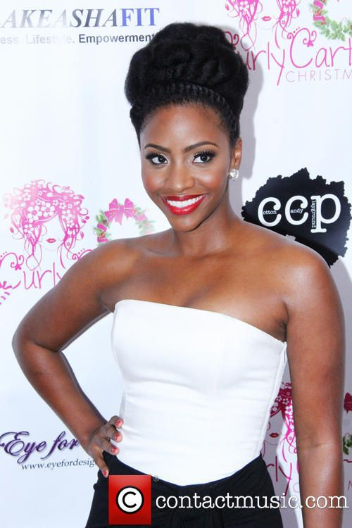 teyonah-parris-the-curly-cartel-presents-holiday_4003284