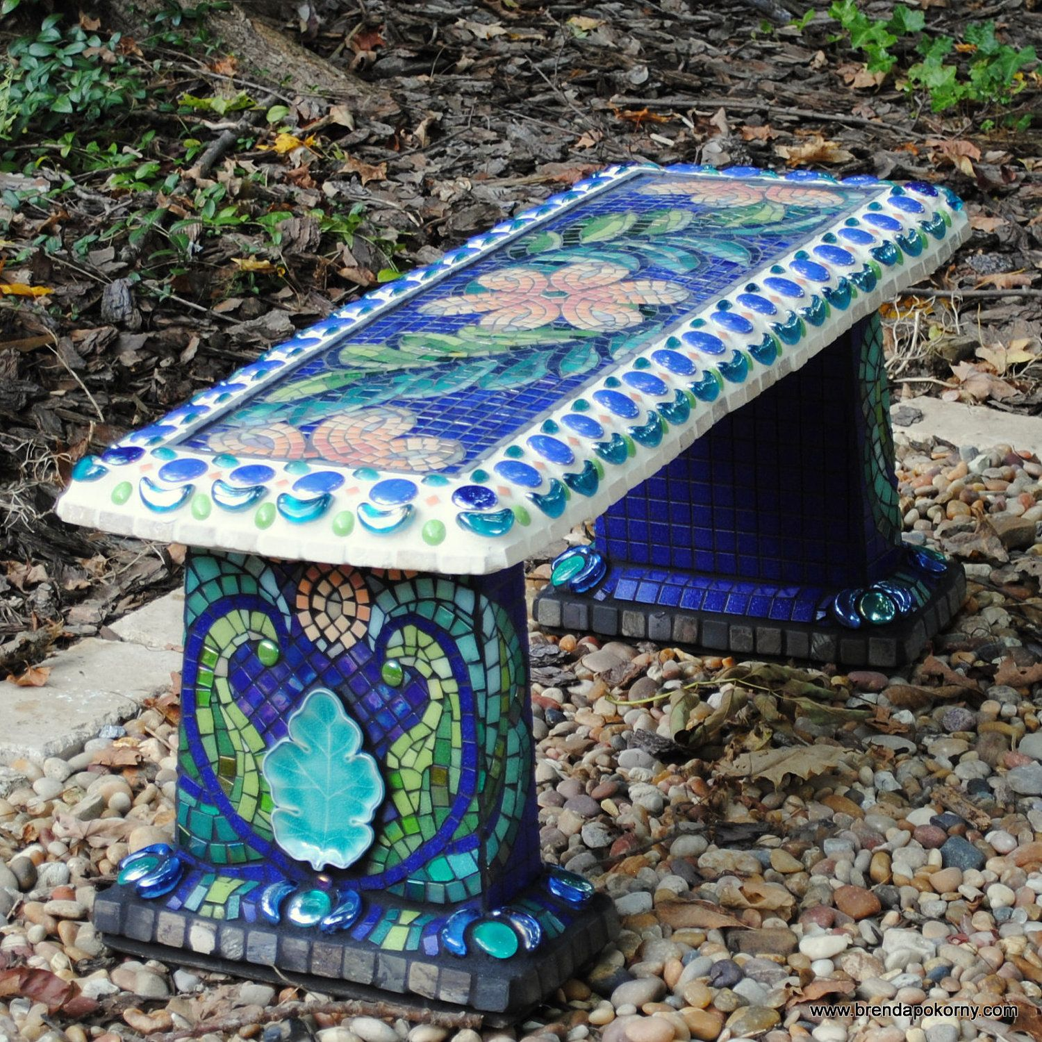 Mosaic garden bench i can do that with my plain grey for Garden mosaic designs