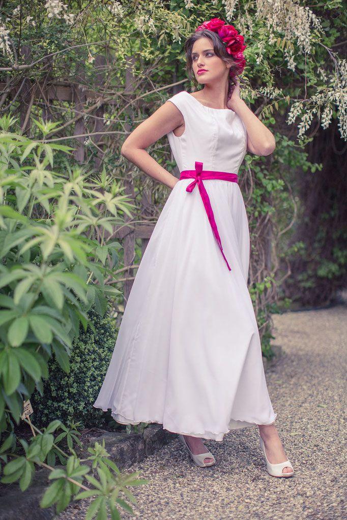 Pin von elementar | Brautkleider, Hoch auf Wedding dresses in 2021 | Brautkleid, Brautkleid