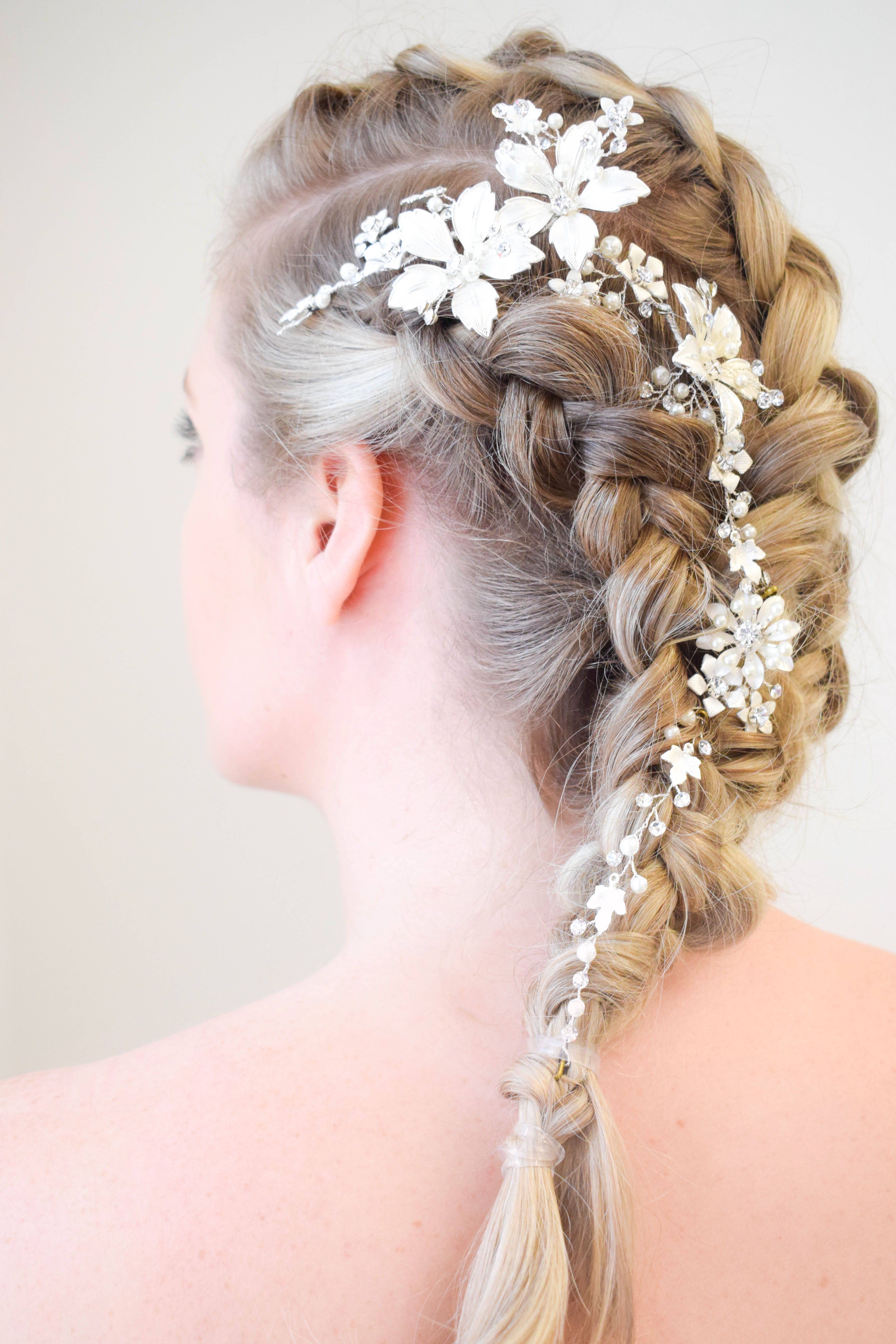 Amazing detailed prom braid   Prom outfits, Prom designs ...
